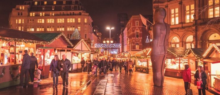 Stallholders from Frankfurt Christmas Market donate produce and money to Birmingham charities.