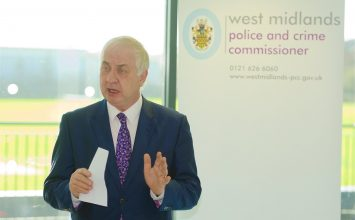 ‪West Midlands Police and Crime Commissioner  introduces Living Wage for all West Midlands Police staff. ‬