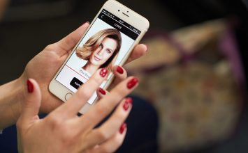 Blow Ltd launches in Birmingham – delivering hair and make up services to your door on demand.