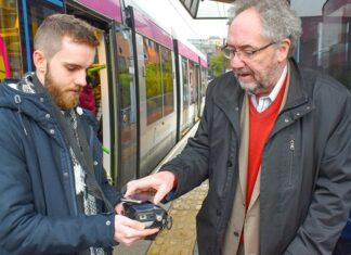Cllr Roger Lawrence tests Swift on Google Pay